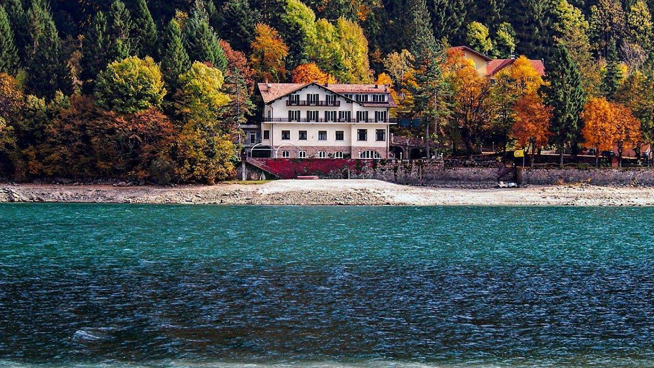 Passeggiare lungo il Lago di Molveno - Trentino