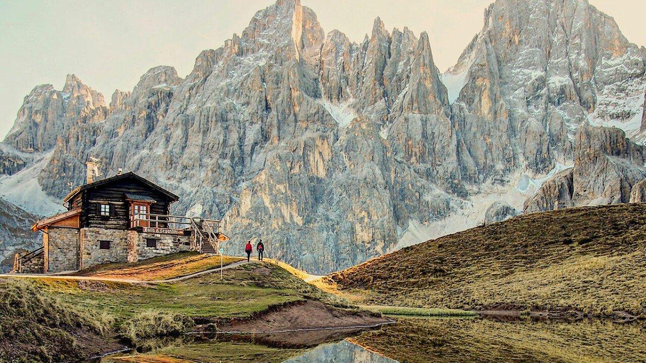 Baita Segantini in Val Venegia vicino a San Martino di Castrozza