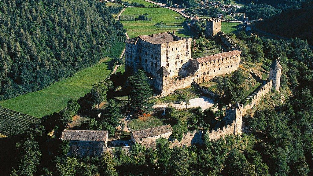 Schloss Pergine - cover