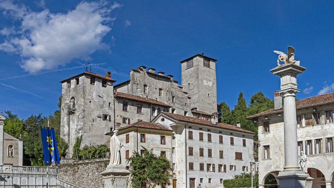 Il centro storico della città di Feltre nel basso Bellunese