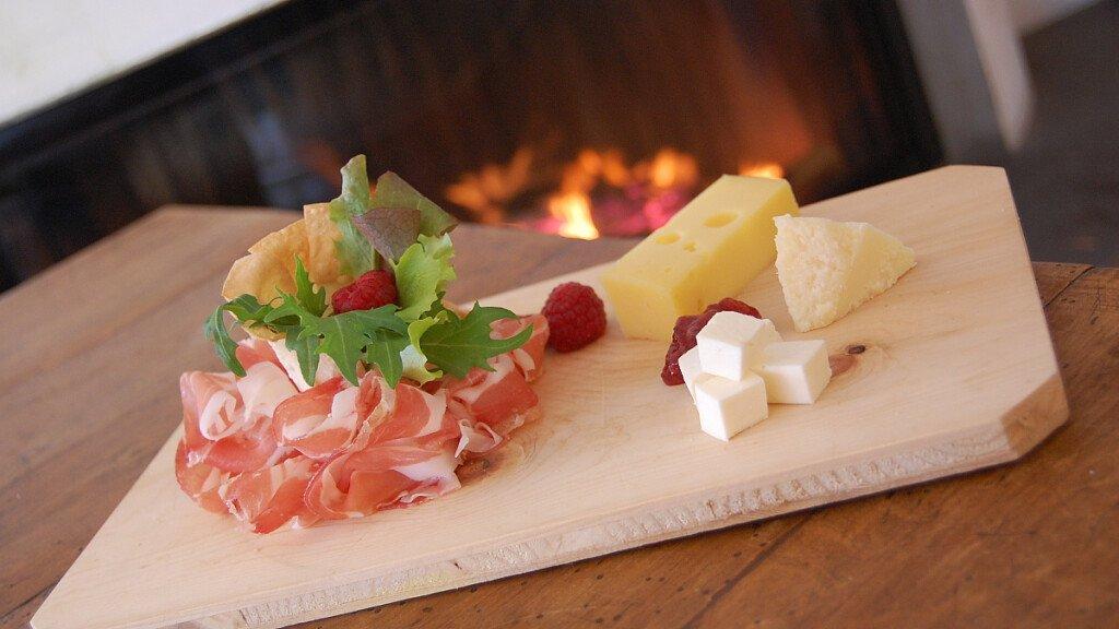 Happycheese: aperitivo di montagna - cover
