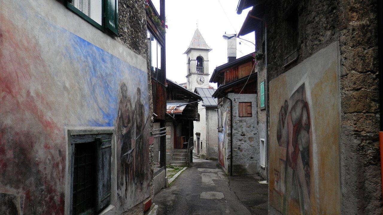 Murales tra le vie storiche del centro di Cibiana di Cadore | Dolomiti UNESCO