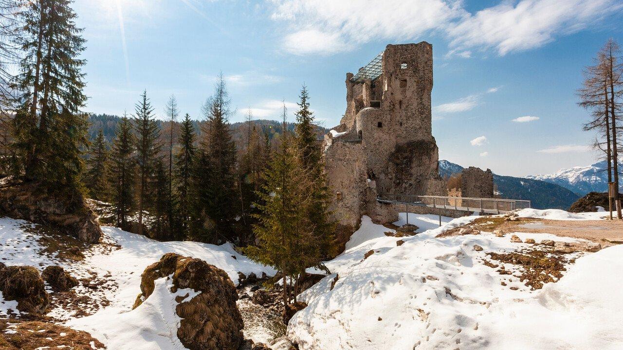 Castello di Andraz in inverno