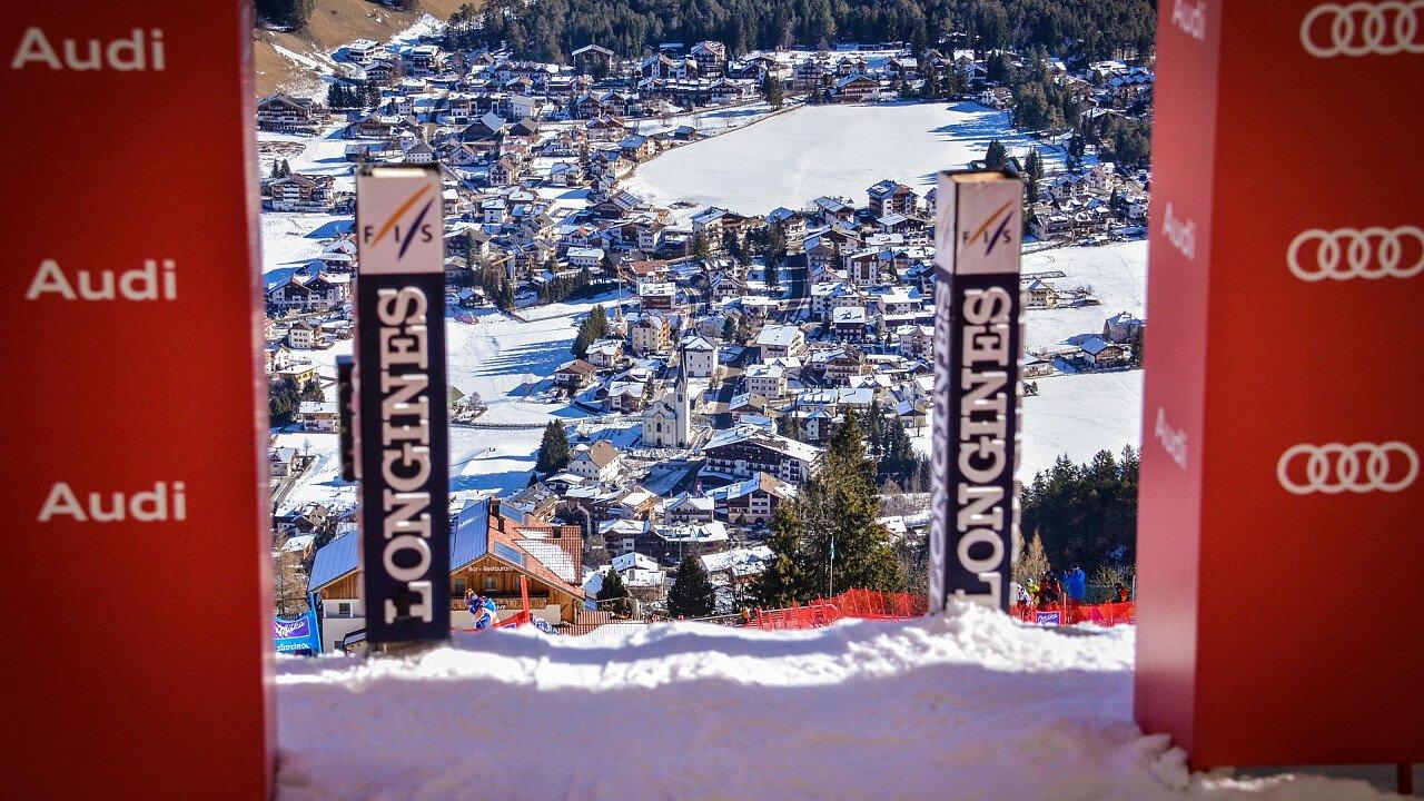 Partenza AUDI FIS Coppa mondo sci alpino femminile a Plan de Corones