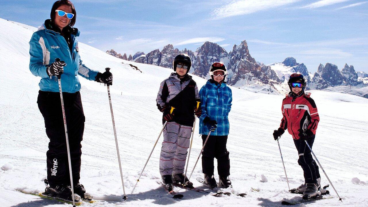 bambini_maestro_sci_skiarea_san_martino_passo_rolle_apt_san_martino_passo_rolle_primiero_vanoi_michela_palermo