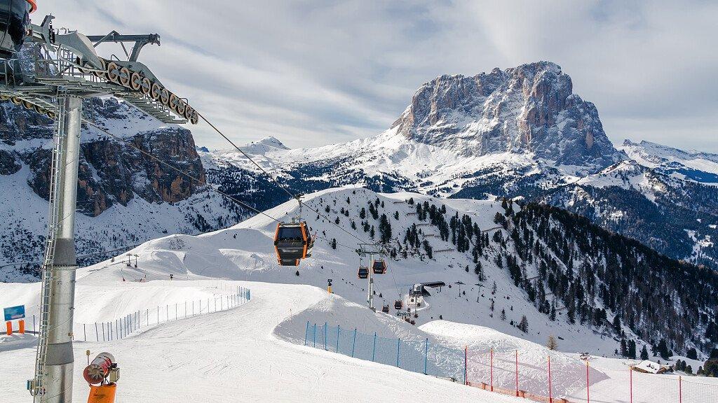 Dolomiti Superski: sciare sulle Dolomiti - cover