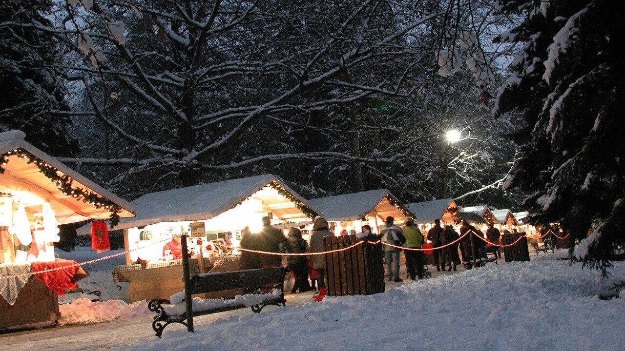 Mercatini di Natale a Levico Terme con la neve