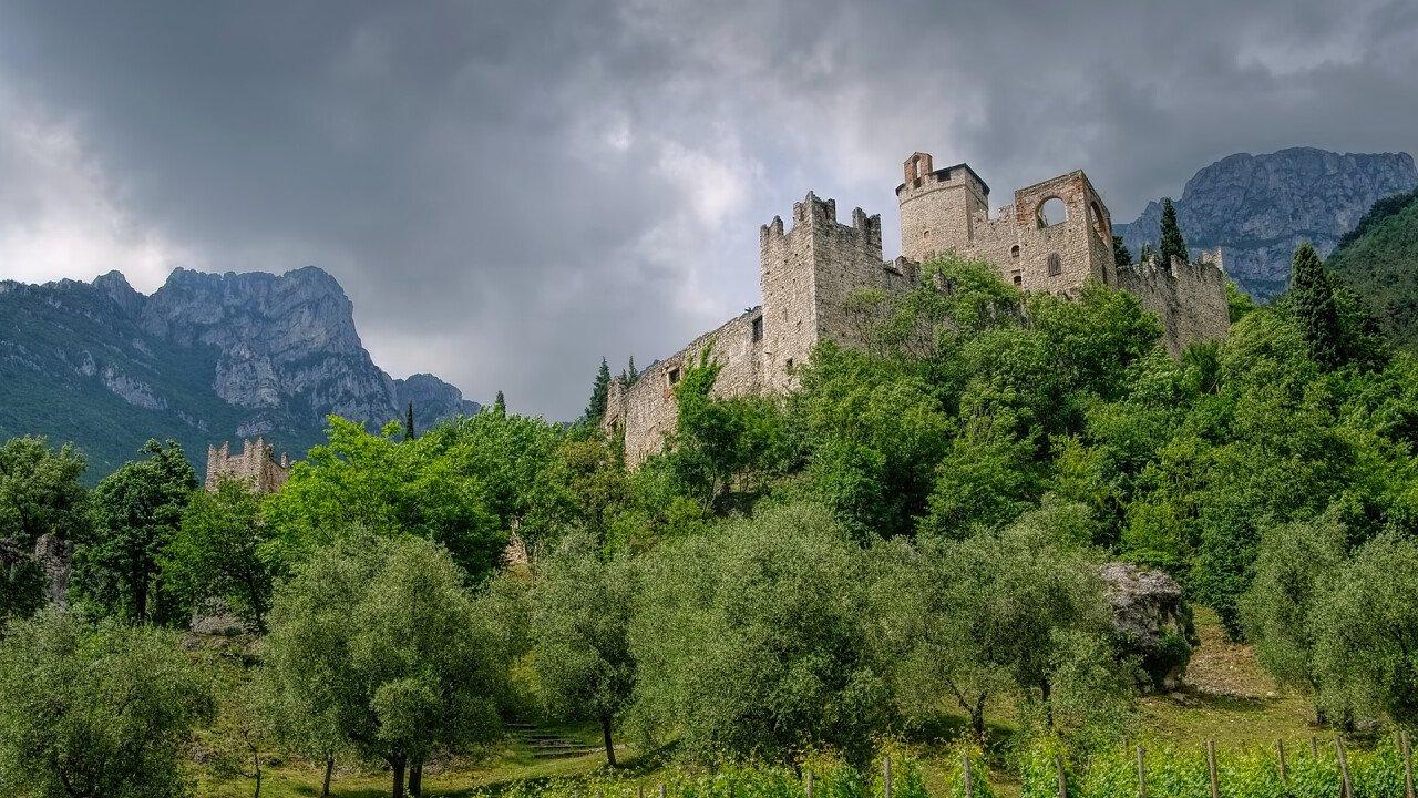Burg von Avio