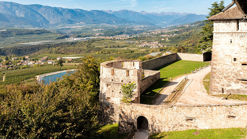 Schloss Thun - cover