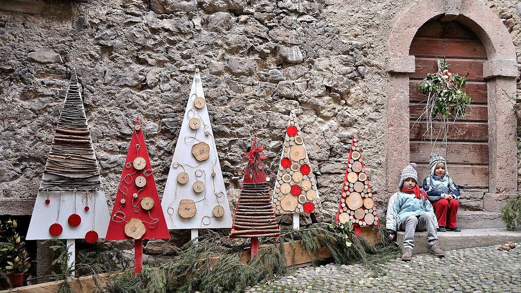 Christmas Market in Rango and Canale di Tenno - cover