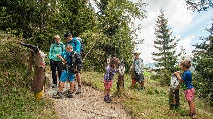 Escursione guidata per famiglie sulla Via delle Saghe - cover