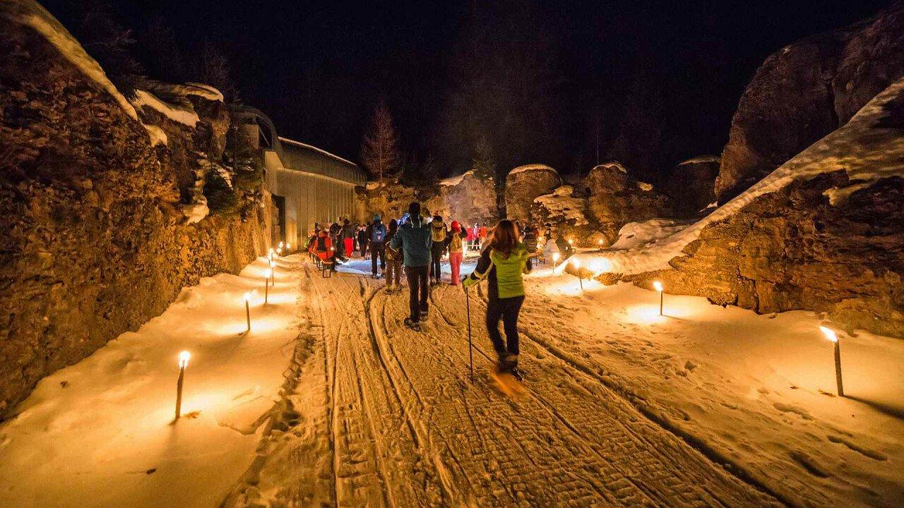 Ciaspomagna Cimbra in notturna a Malga Millegrobbe | Lavarone in Alpe Cimbra