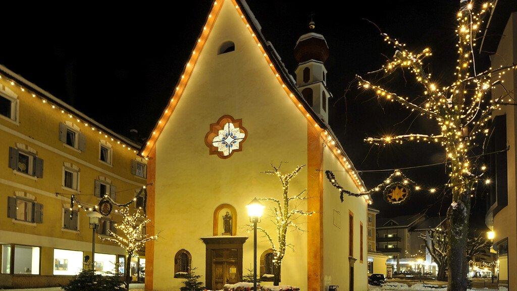 Christmas Market in Ortisei - cover
