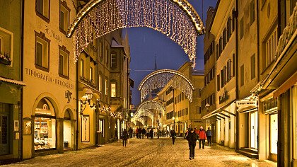 Christmas Market in Brunico - cover