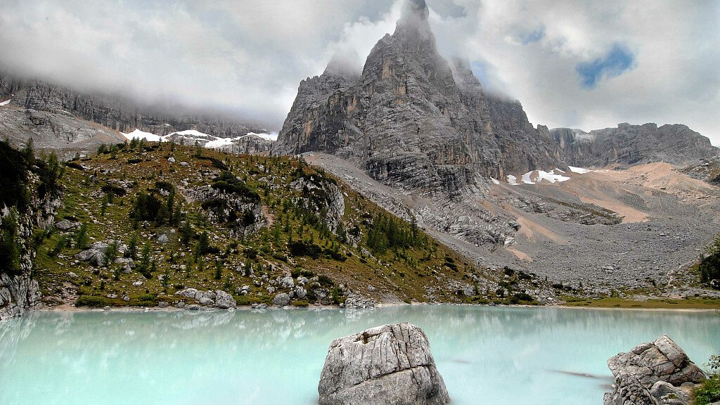 Lake of Sorapis: excursion from Passo Tre Croci to Vandelli Hut - cover