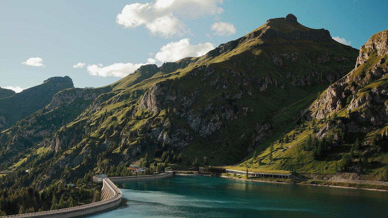 Laghi artificiali ai piedi delle Dolomiti UNESCO
