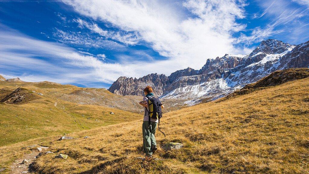 Itinerari intorno ai laghetti Santo e Iman - cover