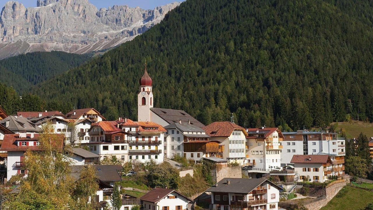 Nova Levante vicino al Lago di Carezza in Val d'Ega - Alto Adige