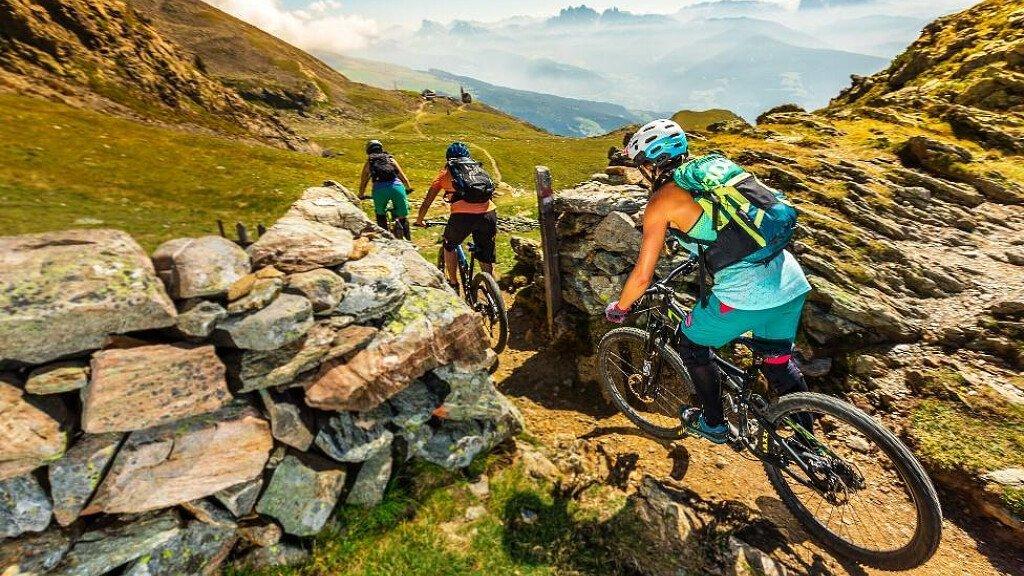 Gita in mountainbike con guida nei Monti Sarentinesi - cover