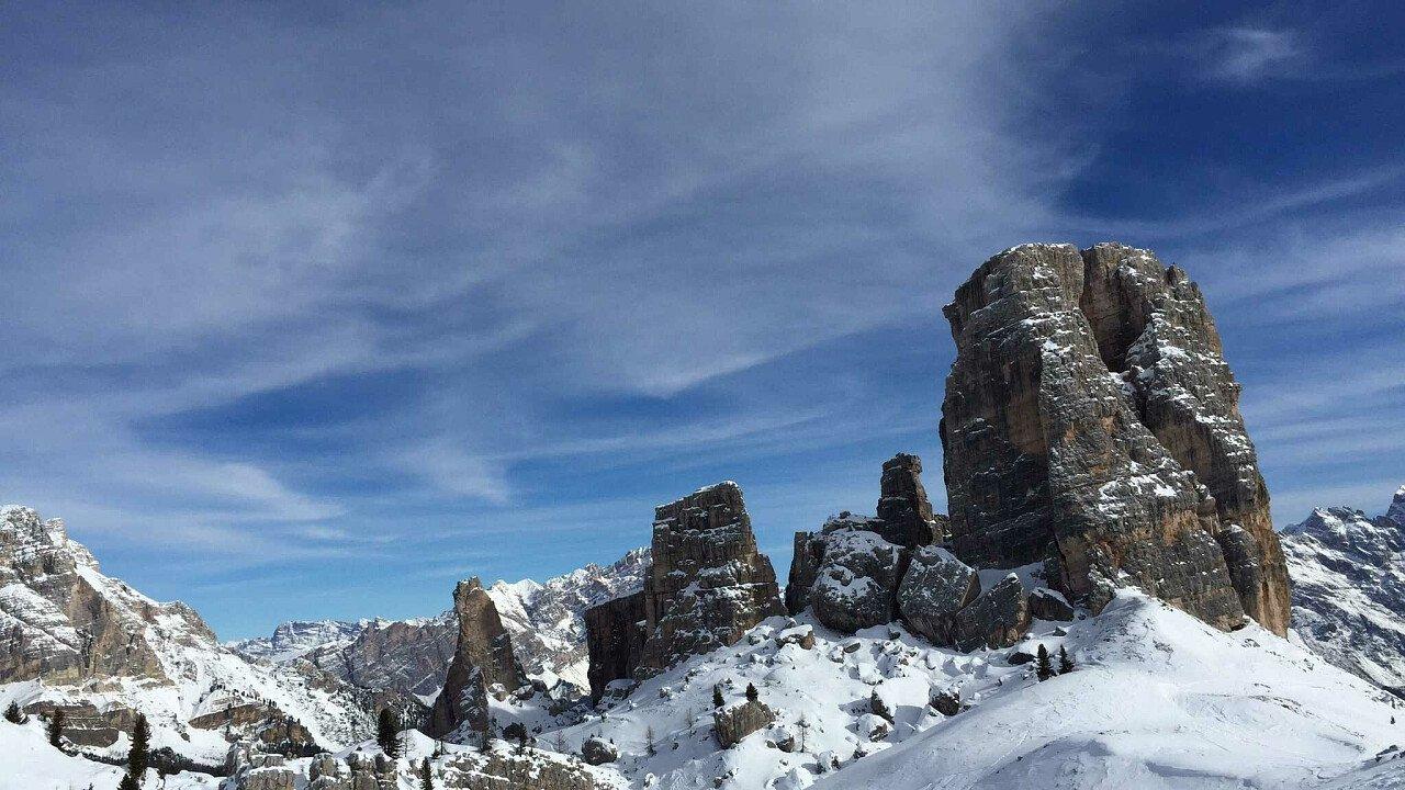 Le Cinque Torri di Cortina d'Ampezzo in inverno - Dolomiti