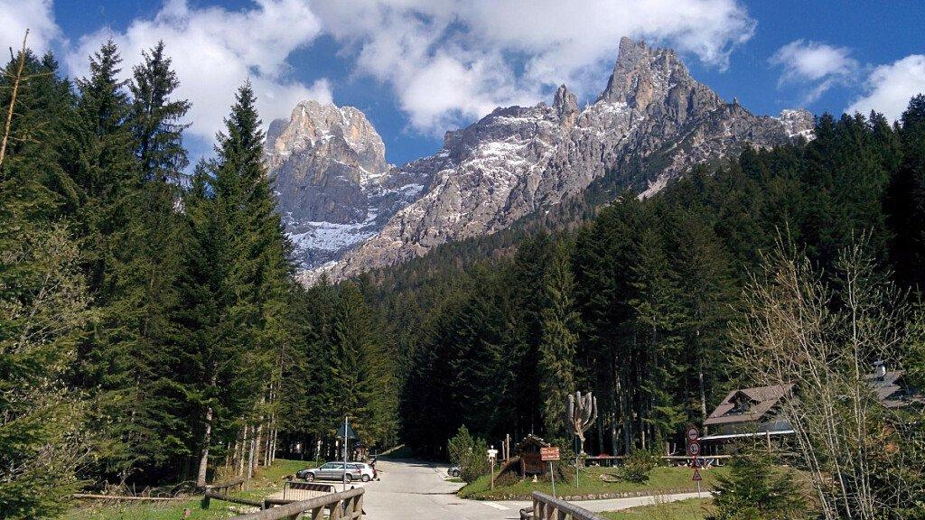 Cycling in Bellunese: Through Val Canali, Valle del Mis, Sedico till Belluno - cover