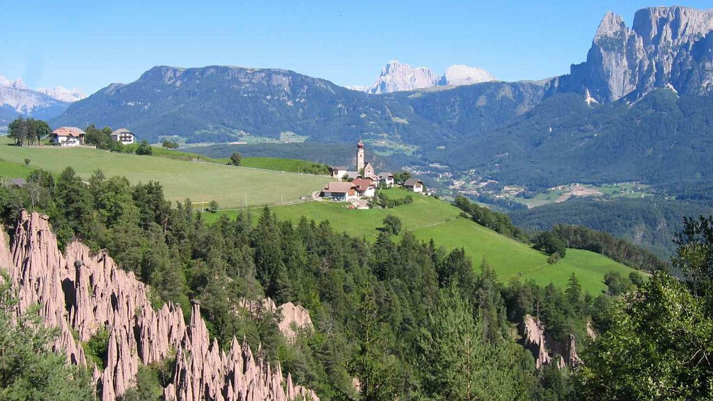 To the Mittelberg's pyramidal lands: plain hike - cover