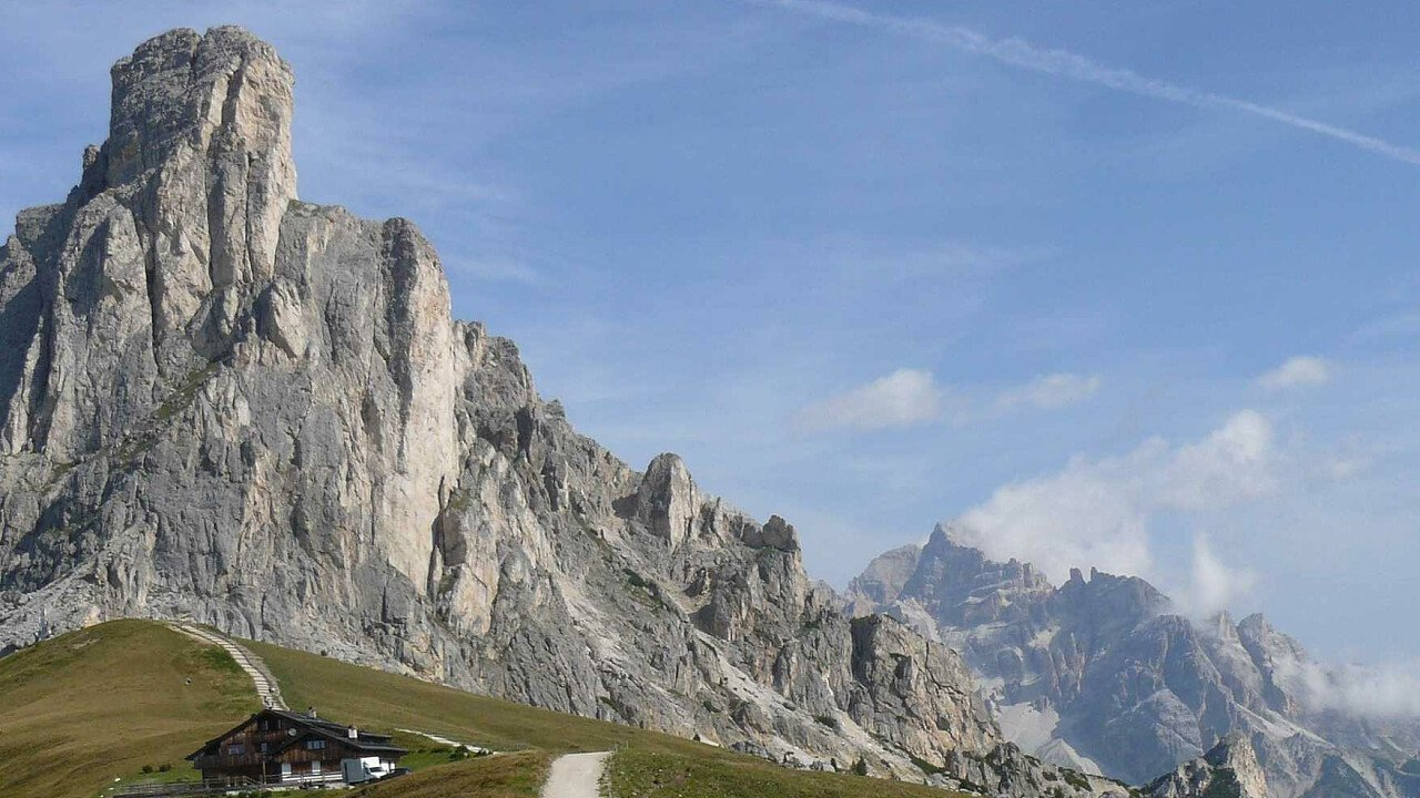 Il Passo Giau sopra Cortina d'Ampezzo nelle Dolomiti UNESCO