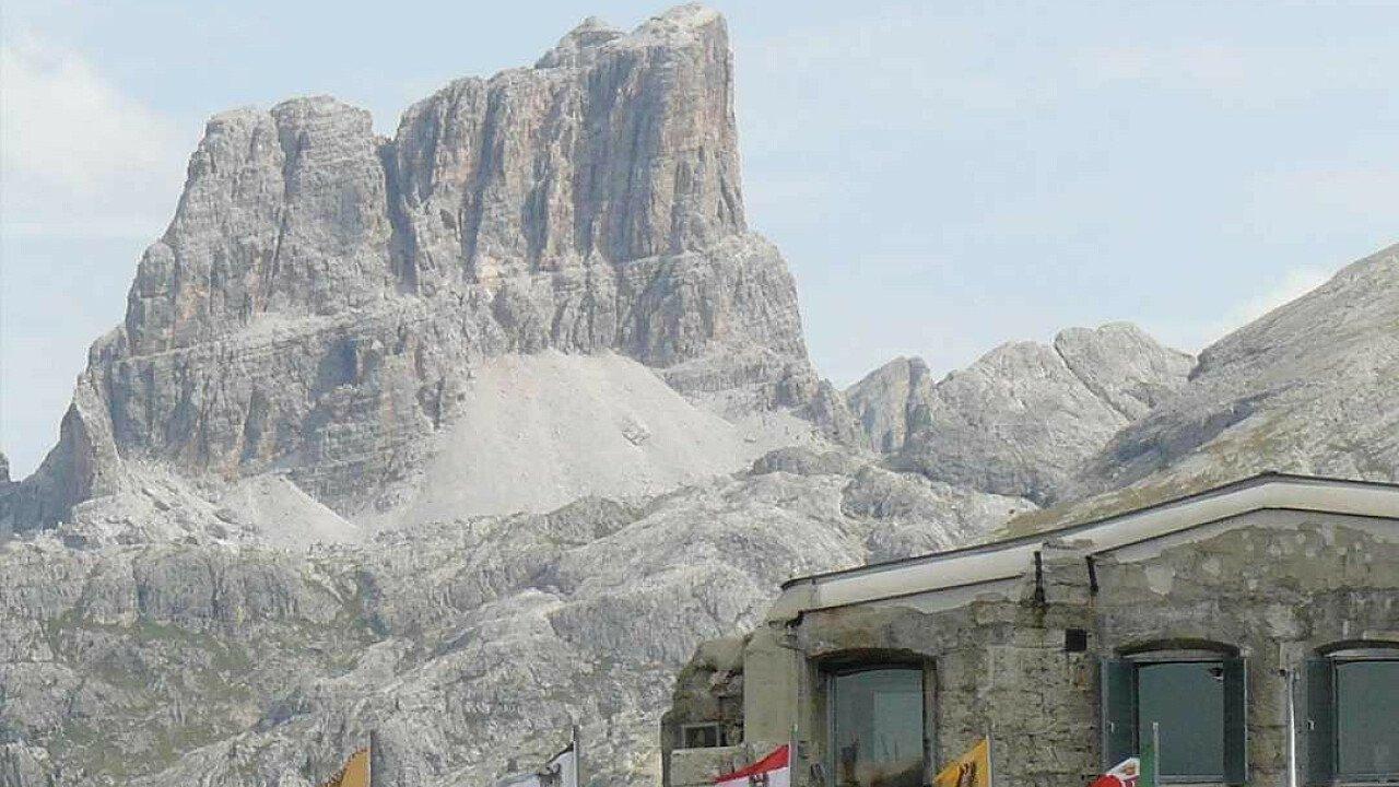 Panorama dal Passo Giau sopra Cortina d'Ampezzo nelle Dolomiti UNESCO