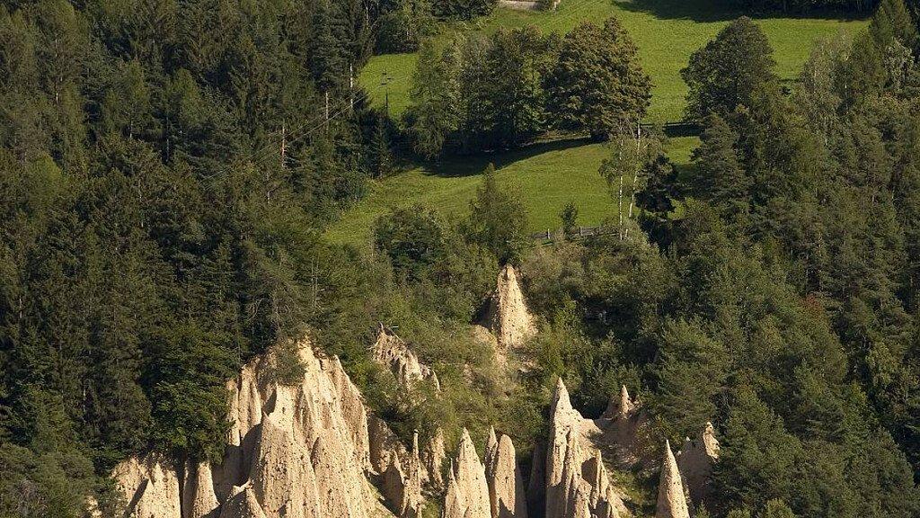 Escursione alle Piramidi di Terra di Collepietra - cover