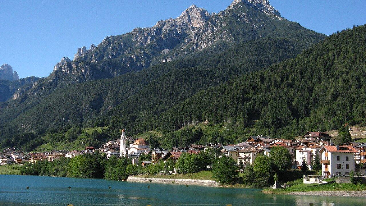 Le sponde del Lago di Auronzo - Auronzo di Cadore nelle Dolomiti UNESCO