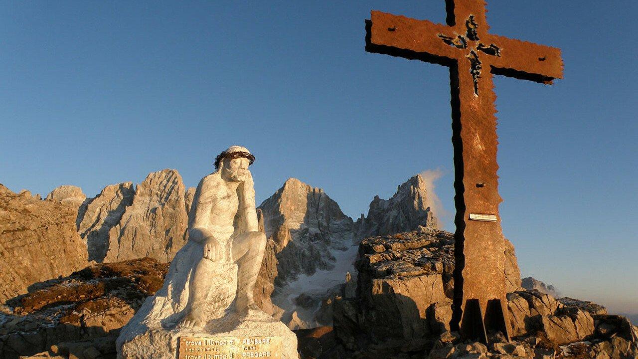 escursioni_trekking_del_cristo_pensante_san_martino_castrozza