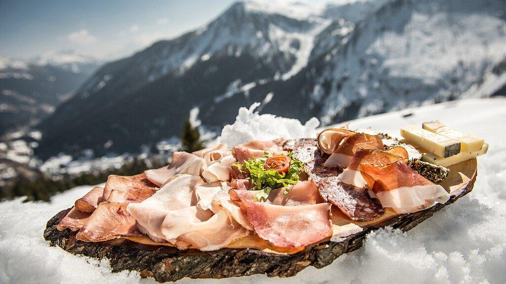 Golose esperienze sulle nevi del Trentino - cover