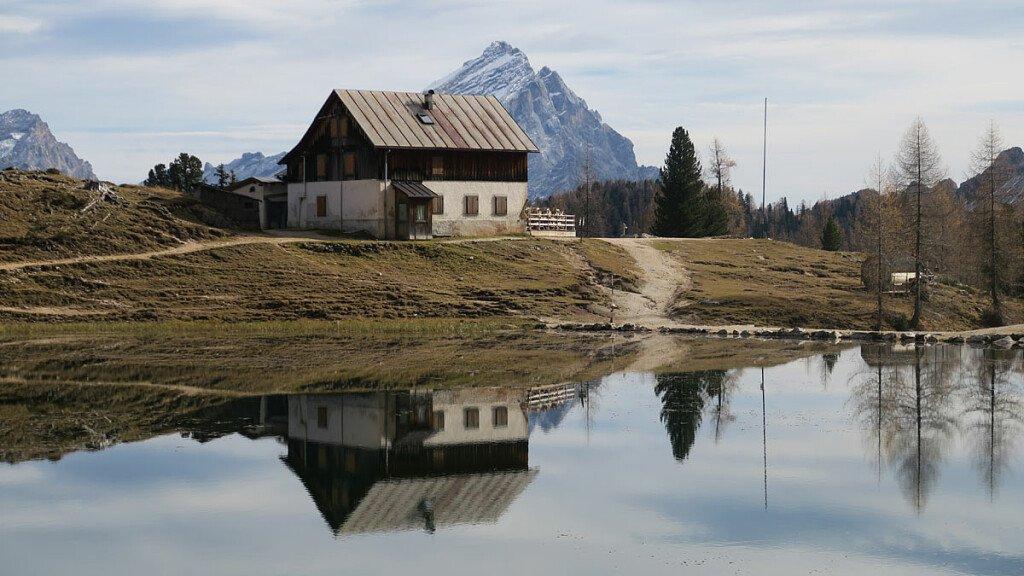 Cortina Dolomiti Ultra Trai: il nuovo trekking - cover