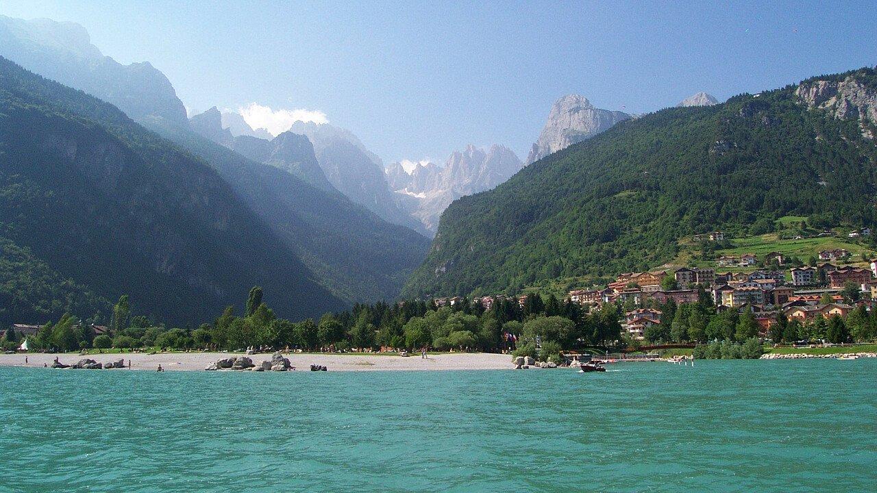 Estate al Lago di Molveno: natura, lago e Dolomiti di Brenta