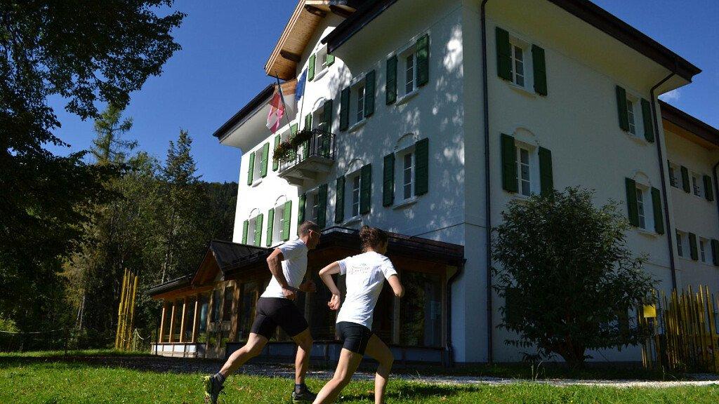Di corsa tra i sentieri delle Dolomiti - cover