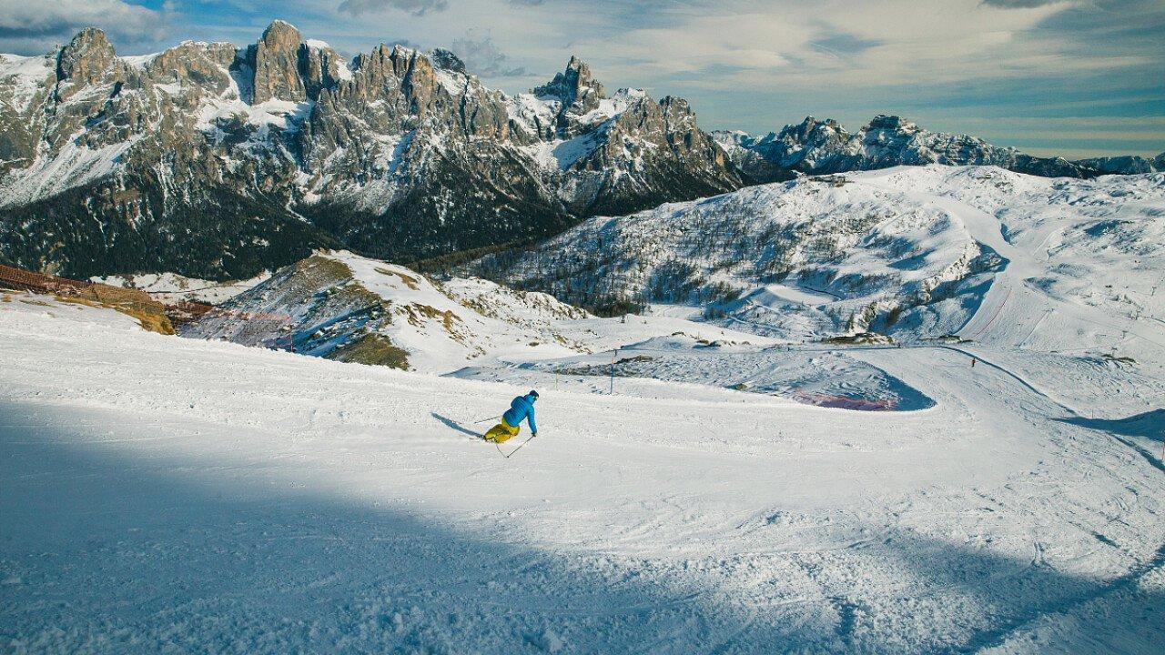 Sciare nella ski area di San Martino di Castrozza in Trentino