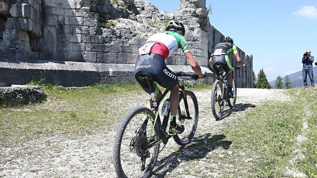 Sotto questo sole, bello pedalare...sulle Dolomiti! - cover