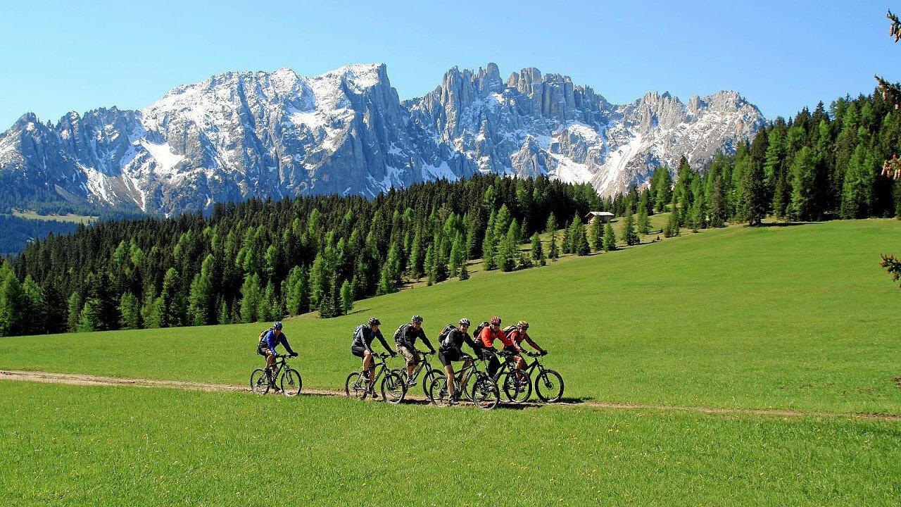 In mountain bike tra i paesi della Val d'Ega in Alto Adige