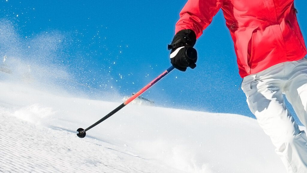 Summer skiing? Discover where! - cover