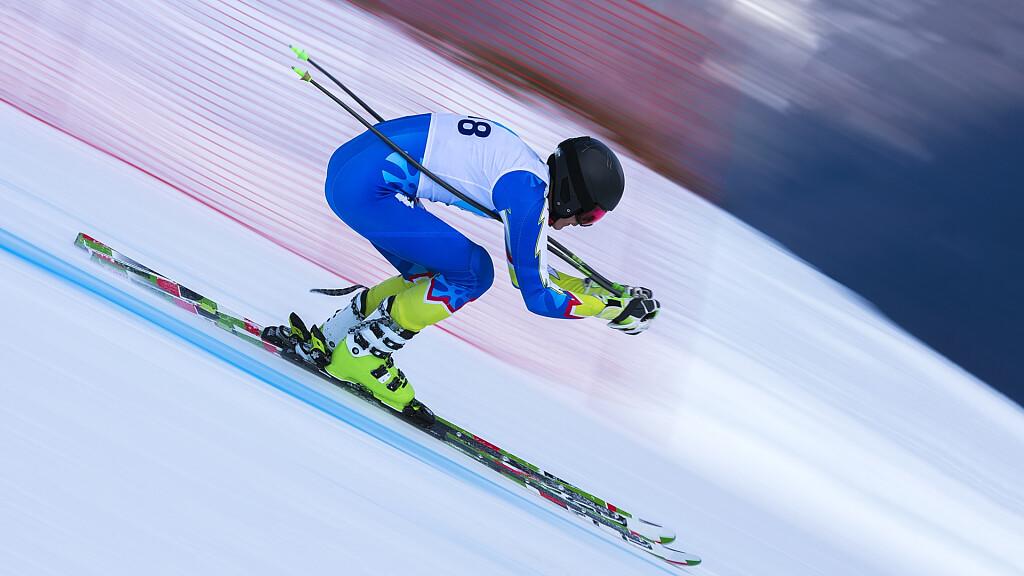 Oro a Corinne Suter nella discesa dei Mondiali di sci a Cortina - cover
