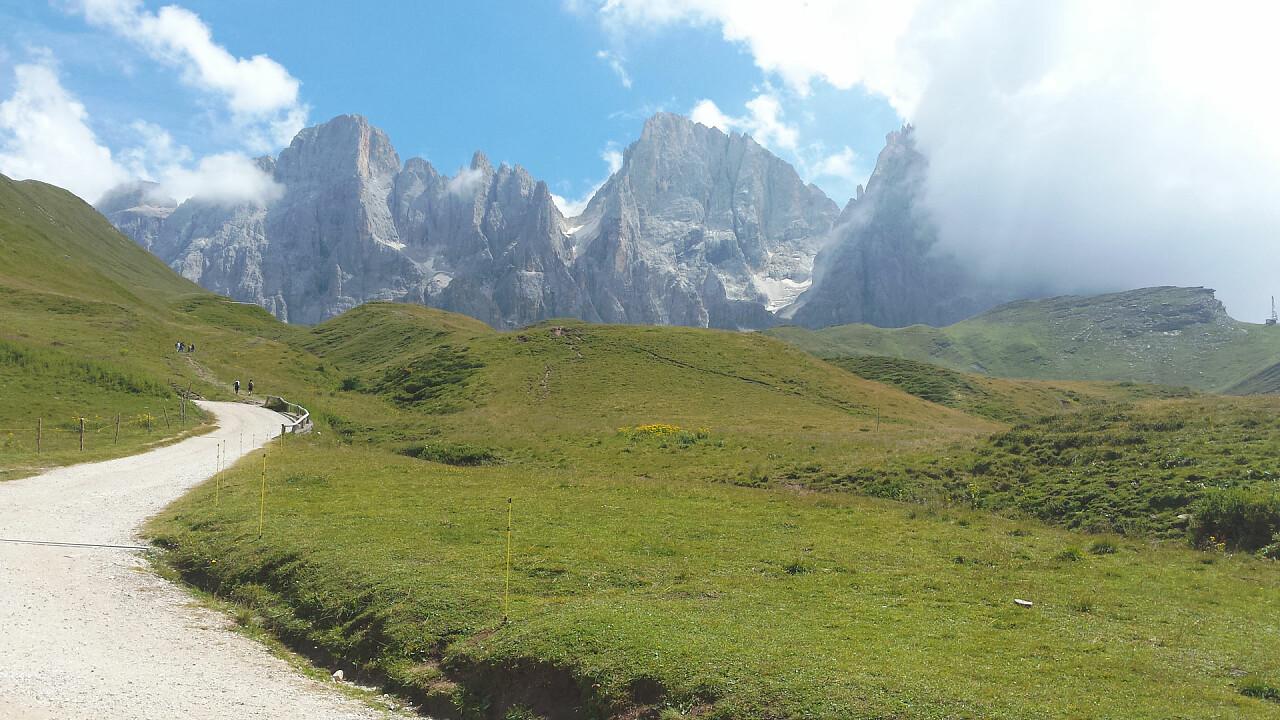 Hiking from Passo Rolle to Baita Segantini