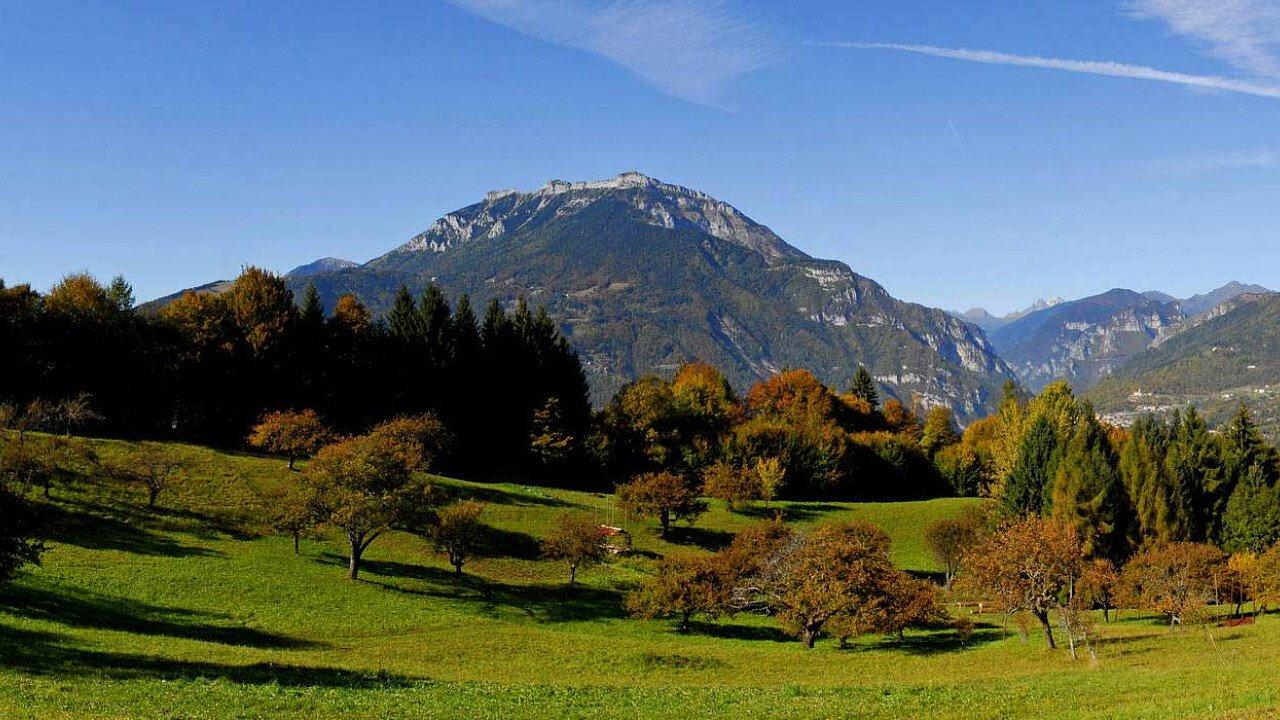 Panoramica da Faller di Sovramonte verso il monte Coppolo, la Val Cismon e le Vette Feltrine