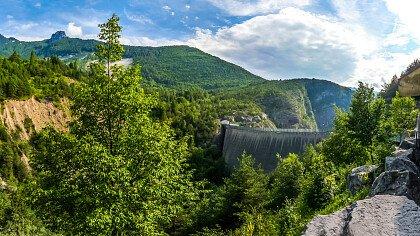 vajont_montagna_diga_estate_pixabay_merlinorn0