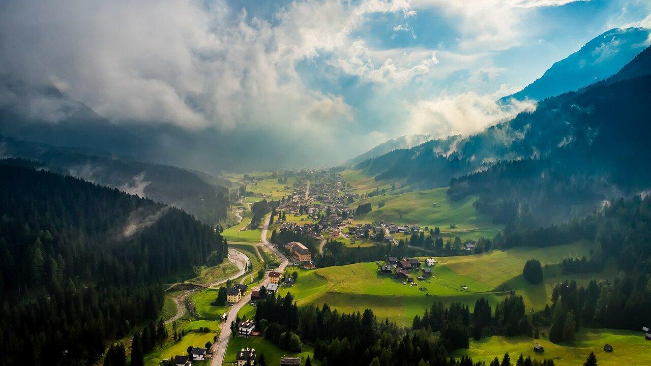 panoramica_paese_sappada_dreamstime_andrey_armyagov