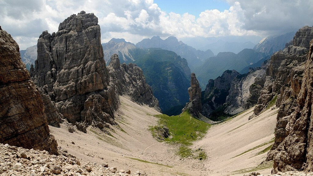 Friuli Dolomites: trekking, trails and hikes - cover