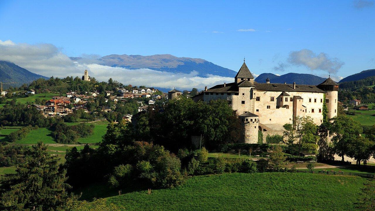 view of castel presule fie allo sciliar