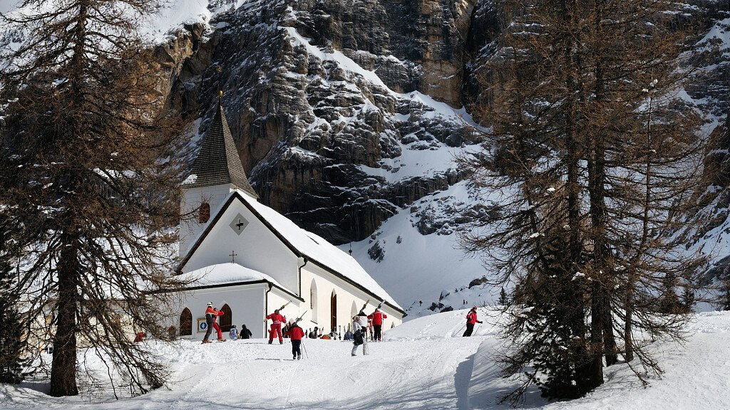 Holidays in Badia: ski and trekking - cover