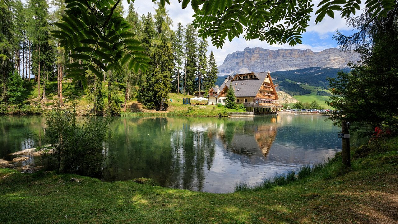 Sompunt See Abtei in Alta Badia