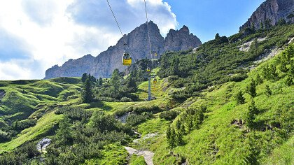 ski lifts in summer in colfosco