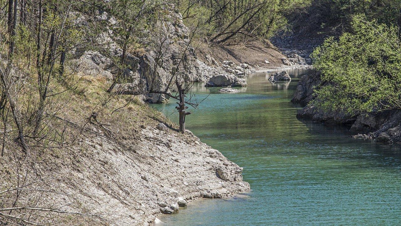 Tramonti di Sotto Lake